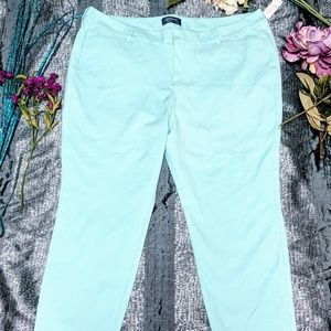 Old Navy NWT Pixie Mid Rise Stretch Pants Sz 18